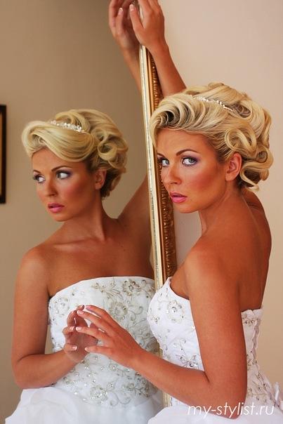 Прическа на свадьбу на короткие волосы для мамы